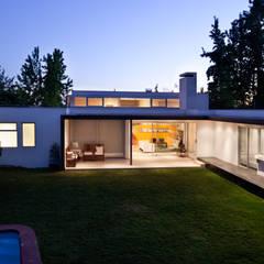 minimalistic Garden by [ER+] Arquitectura y Construcción