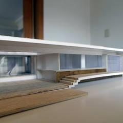 PROYECTO CASA CURACAVI: Terrazas  de estilo  por [ER+] Arquitectura y Construcción