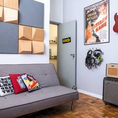 Home Studio: Escritórios  por INTERIOR - DECORAÇÃO EMOCIONAL
