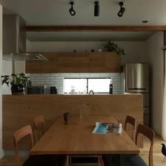 Konan House: ALTS DESIGN OFFICEが手掛けたキッチンです。