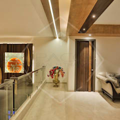 Capital Green - 3:  Corridor & hallway by SPACCE INTERIORS,Asian