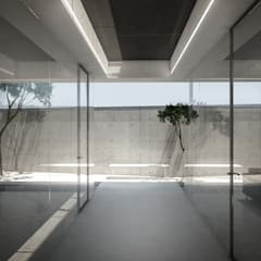 S-House:  Koridor dan lorong by KERA Design Studio