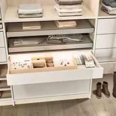 CABINET – Cabinet: modern tarz Giyinme Odası