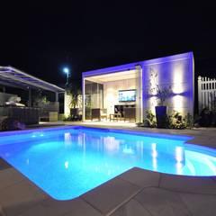 茨城県 個人邸  (4.0m×3.0m レクタングル形状): プールカンパニー 株式会社プロスパーデザイン プール事業部が手掛けたビーチハウス・クルーザーです。,モダン