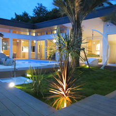千葉県 個人邸  (5.0m×2.5m レクタングル形状): プールカンパニー 株式会社プロスパーデザイン プール事業部が手掛けたビーチハウス・クルーザーです。,モダン