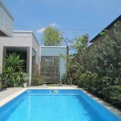 千葉県 個人邸  (5.5m×2.5m レクタングル形状): プールカンパニー 株式会社プロスパーデザイン プール事業部が手掛けたビーチハウス・クルーザーです。,モダン