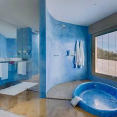Luxuosa Propriedade no Algarve - Luxury Property in the Algarve: Casas de banho  por Ivo Santos Multimédia
