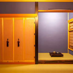 加賀市の家: 一級建築士事務所 岡本義富建築研究所が手掛けた和室です。