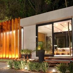 ประตูเลื่อน โดย Izilda Moraes Arquitetura , โมเดิร์น