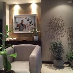 Apartamento en el Oeste de Cali Paredes y pisos de estilo ecléctico de Obras Son Amores Ecléctico Concreto
