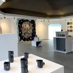 GALERÍA DE ARTE: Centros de exhibiciones de estilo  por ESTUCO DISEÑO