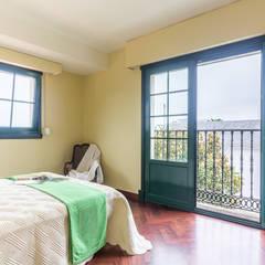 DORMITORIO PRINCIPAL: Dormitorios de estilo  de CCVO Design and Staging