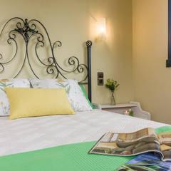 DETALLE: Dormitorios de estilo  de CCVO Design and Staging