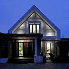 NEW HOUSE:  Nhà gia đình by RÂU ARCH,