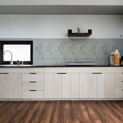 Kitchen units by RÂU ARCH
