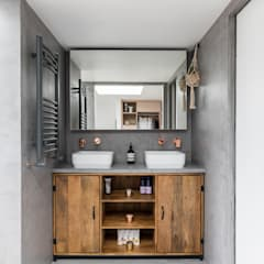 Dulwich Loft Conversation : modern Bathroom by R+L Architect