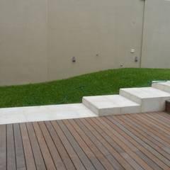 Deck & Pileta.: Jardines con piedras de estilo  por NG Estudio
