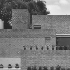 Casa RdA : Casas unifamiliares de estilo  por VÁZQUEZ DEL MERCADO - ARQUITECTURA