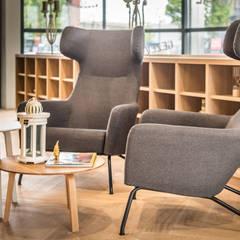 HNK Den Bosch:  Kantoorgebouwen door You surround You,