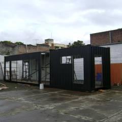 Transformación contenedor de 40 pies: Casas prefabricadas de estilo  por Home Box Arquitectura