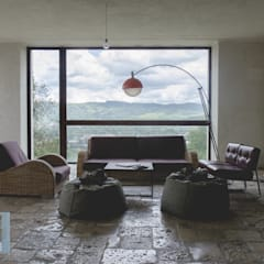 Casadonna - Reale: Hotel in stile  di studio leonardoproject
