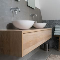 Bathroom by Bongers Architecten