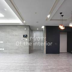 호텔객실같이 깔끔한 아파트 인테리어_47평대: 디자인 아버의  주방,