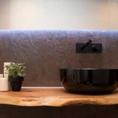 WCs projects: Casas de banho  por ORCHIDS LOFT,