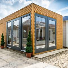 Linea contemporary garden room with storage:  Garden Shed by Garden Affairs Ltd