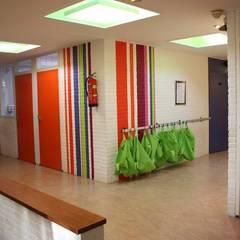 Lagere school De Wingerd Oldehove:  Scholen door janny doornbos architektonische vormgeving