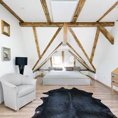 eclectic Bedroom by OPORSKA.COM