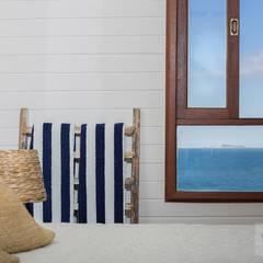 Quarto Casa de Praia - Por Patrícia Nobre: Quartos  por Patrícia Nobre - Arquitetura de Interiores,Mediterrâneo