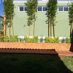 Jardin: Terrazas de estilo  por OmaHaus Arquitectos