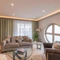 Wohnzimmer von Prestige Architects By Marco Braghiroli, Modern