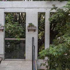 Jacinto Chiclana: Terrazas de estilo  por Ciudad y Arquitectura