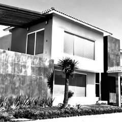 Hacienda San Antonio B/W: Casas unifamiliares de estilo  por Arkisav