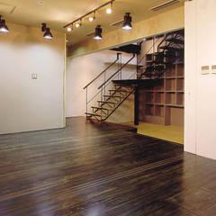 内路地のアトリエ クラシカルスタイルの 玄関&廊下&階段 の 造形工房 平尾アトリエ クラシック