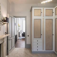 Vestidores y placares de estilo clásico por Prestige Architects By Marco Braghiroli