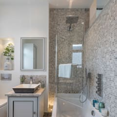 Bathroom: classic Bathroom by Prestige Architects By Marco Braghiroli