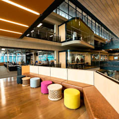 RCL Foods Offices:  Office buildings by Elphick Proome Architects, Minimalist