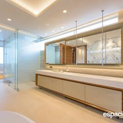 Obra Diecinueve: Baños de estilo  por EspacioInterior, Ecléctico Cerámico