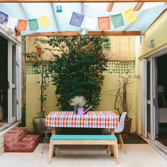 Alma de artista . Casa em São Paulo .: Jardins  por Koulè Design Afetivo