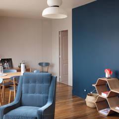 CHEZ DEEDEE, Paris: Salon de style de style Moderne par NEDGIS