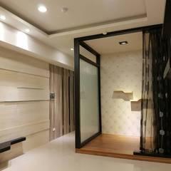 建商樣品屋設計裝潢:  展覽中心 by 登品空間規劃工程有限公司