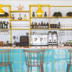 """""""El Curry Verde"""" Restaurante Vegetariano: Locales gastronómicos de estilo  de Hirukistudio"""