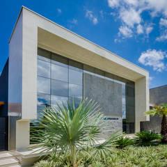 Clinics by Milena Aguiar - Arquitetura e Interiores