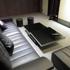 品味溫馨舒適機能性規劃:  視聽室 by 登品空間規劃工程有限公司
