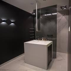 Exclusief wastafeleiland De Eerste Kamer:  Badkamer door De Eerste Kamer,