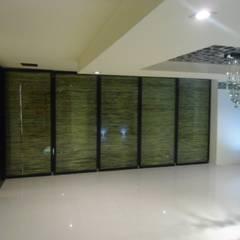Portas de vidro  por Bello diseño interior