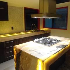 RESIDENCIA: Cocinas equipadas de estilo  por Bello diseño interior